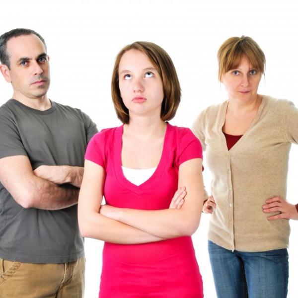 Как справиться с таким неуправляемым подростком - You know, It's all between us - Ты знаешь, это между нами...