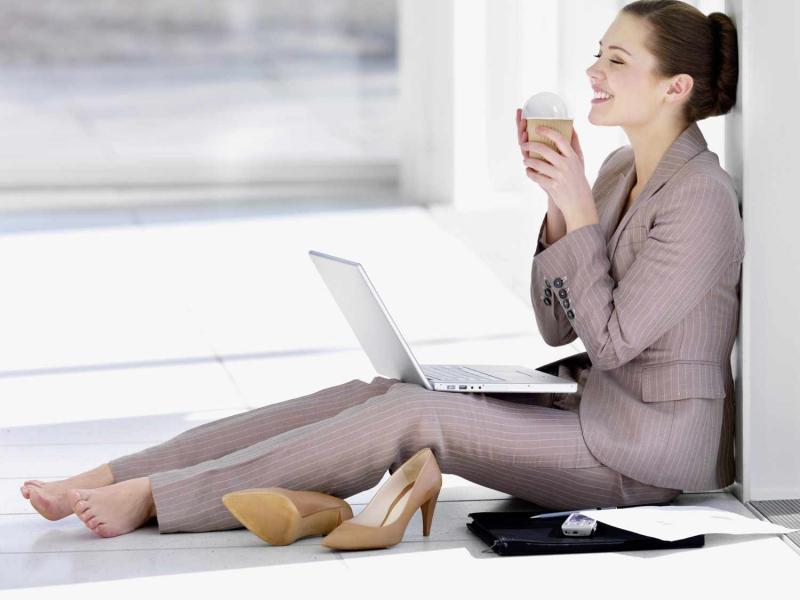 Повышаем продуктивность на работе: 5 способов поднять настроение - Психология отношений
